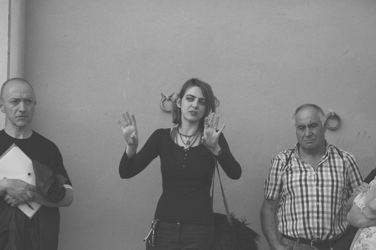 Ariadna Raventós presentant el seu treball (foto: Marina Sáenz)